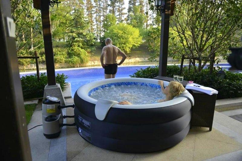 Piscina idromassaggio spa gonfiabile riscaldata jilong spa tub 80 getti 42 gradi 4 persone - Piscina spa gonfiabile ...